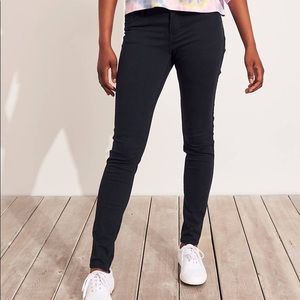 Hollister Classic Stretch Low-Rise Skinny Jeans